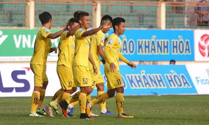 Khánh Hòa 1-1 Phố Hiến: Giữ vững ngôi đầu