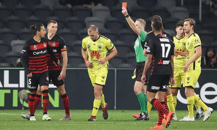 Western Sydney 1-0 Wellington Phoenix: Bay khỏi Top 2