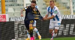 Soi kèo từ sàn châu Á Frosinone vs Pescara, 03h00 20/02