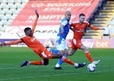 Soi kèo từ sàn châu Á Blackpool vs Peterborough, 02h00 ngày 24/3